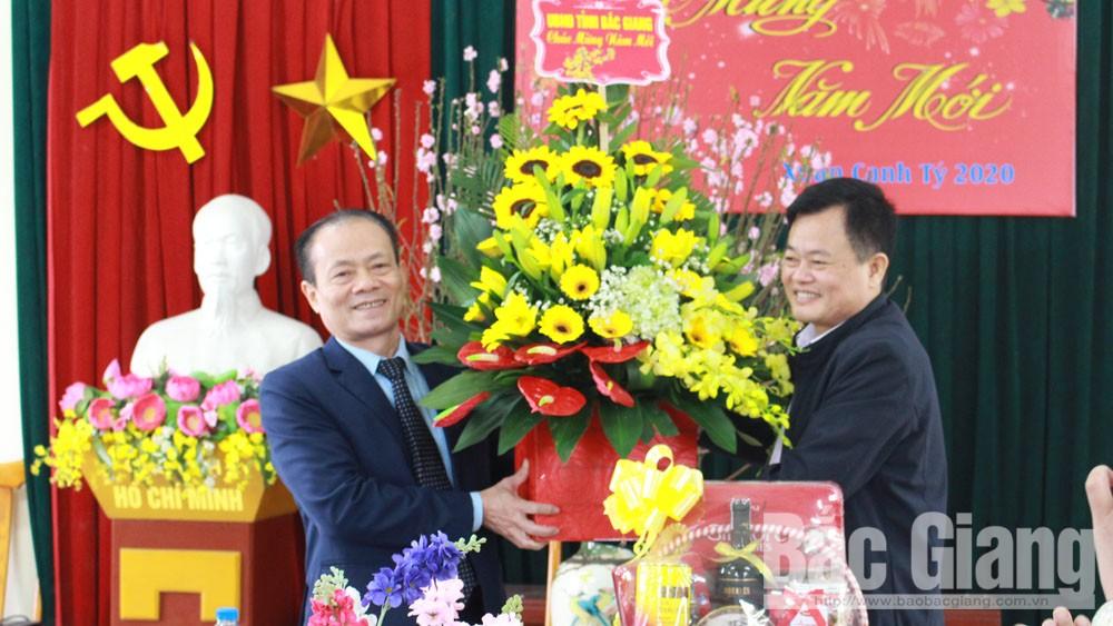 Phó Chủ tịch Thường trực UBND tỉnh Lại Thanh Sơn thăm, chúc Tết một số doanh nghiệp vận tải, giao thông tại địa bàn